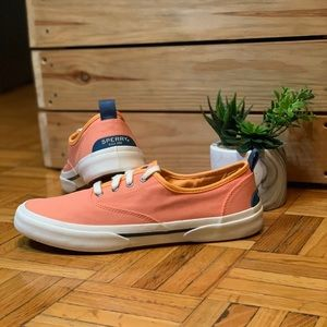 NWOT SPERRY Peach Canvas Women's Sneakers Spring